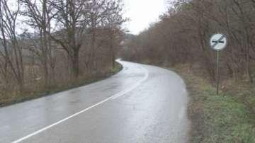 17-годишен шофьор без книжка е с опасност за живота след катастрофа
