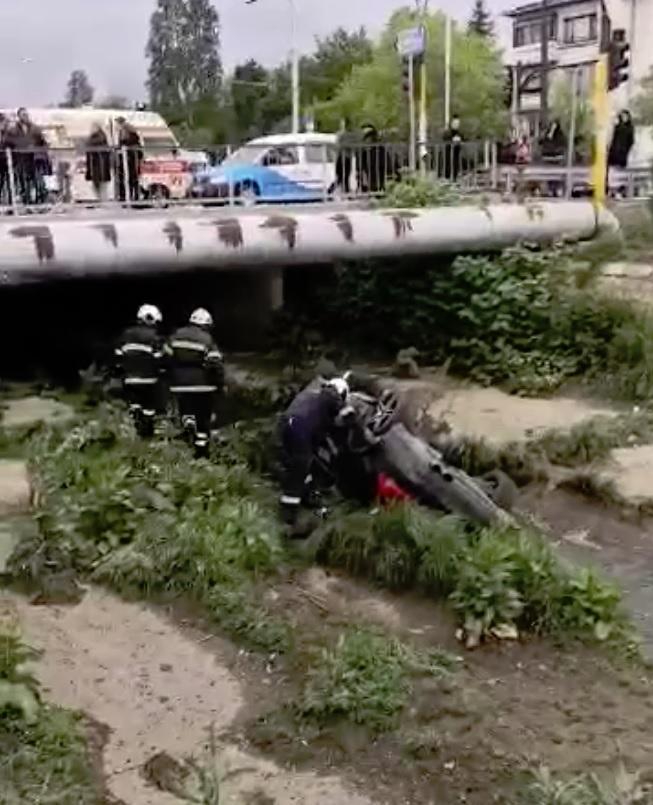 """По първоначална информация водачът на лек автомобил """"Мерцедес"""" е загубил"""