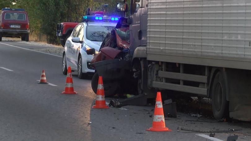 жена загина челен сблъсък камион пътя русе бяла