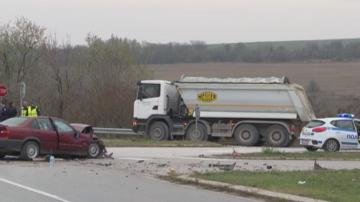 19-годишна предизвика катастрофа при неправилно изпреварване на четири камиона