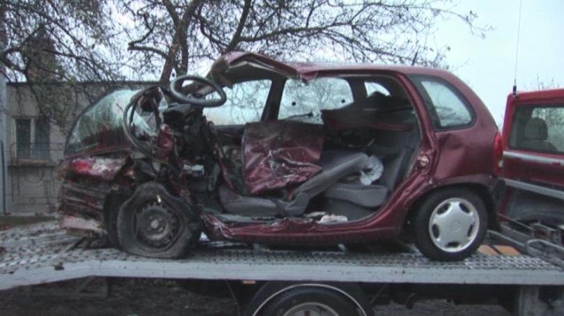 снимка 1 Трима души загинаха при тежка катастрофа на пътя Силистра - Русе