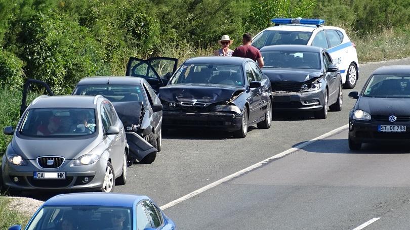 Верижна катастрофа между четири автомобила затапи за над час главен