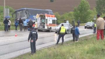 Дете, двама мъже и две жени са загинали при катастрофата край Луковит