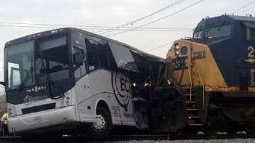 Най-малко 4-ма загинали при катастрофа между влак и автобус в Мисисипи