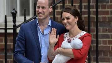 Кейт Мидълтън напусна болницата след раждането на третото си дете