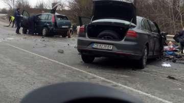 Двама души загинаха в тежка катастрофа край Омуртаг (СНИМКИ/ВИДЕО)