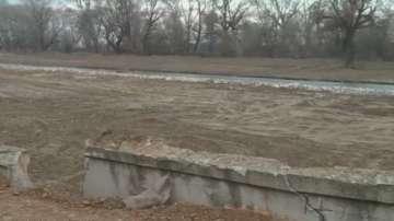 Продължава възстановяването на пропуканата подпорна стена на река Чая