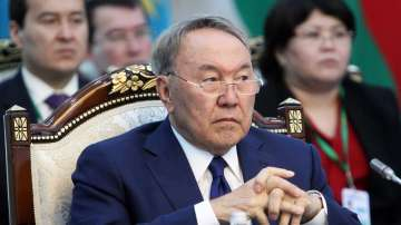 Казахстанският президент подаде оставка