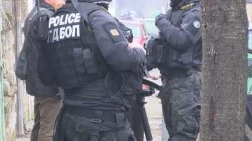 Спецакция на жандармерия и ГДБОП блокира Казанлък