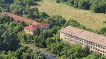 Борисов и Каракачанов се договориха за ремонт на всички казарми