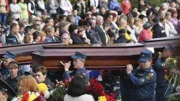 Керч се сбогува с жертвите от кървавото нападение