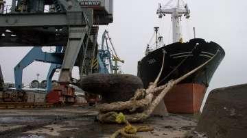 Екипажът на задържания в Украйна танкер се върна в Москва