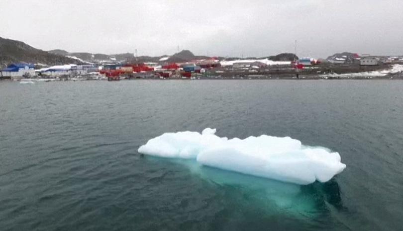 Учени ще търсят най-древния лед на Земята