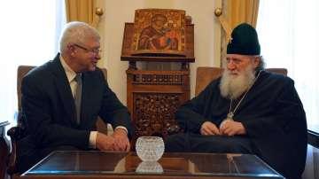 Здравният министър Кирил Ананиев се срещна с патриарх Неофит