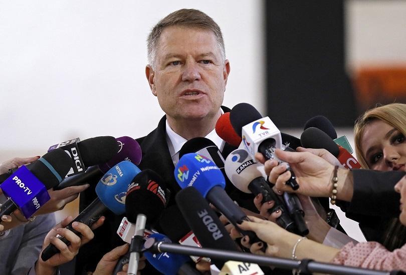 Румънският президент Клаус Йоханис убедително печели втори мандат на днешния