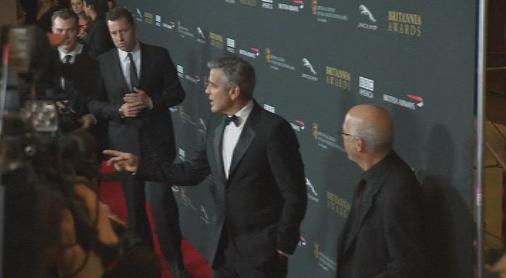 Холивдуската звезда Джордж Клуни се възстановява в домашни условия след