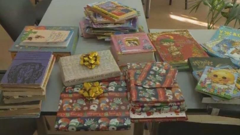 Десетки варненци откликнаха на призива да дарят книги за отделението