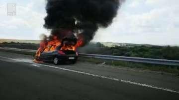 Кола се самозапали на магистрала Тракия