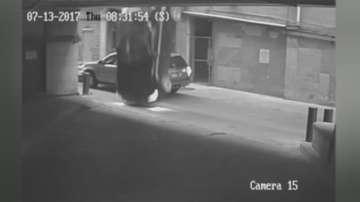 Кола полетя от седмия етаж на сграда в Остин, Тексас