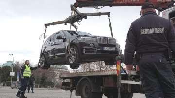 Полиция и жандармерия транспортират автомобили от гаражите на Нове Холдинг