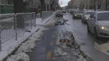 Снегорин изби ограничители на велоалеята на бул. Дондуков в София