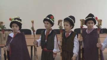 Коледарчета гостуваха в кметството в Красно село