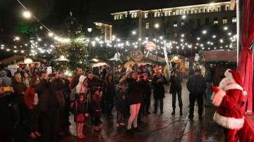 Коледното настроение започна да се усеща в София