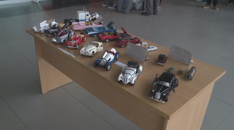 Колекционери на малки колички от Северна България представиха моделите си