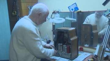 Турски колекционер притежава над 200 стари радиоприемници
