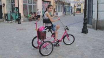 Откраднаха специално колело на дете с церебрална парализа