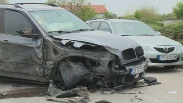 Пуснаха под гаранция от 20 000 лв. шофьорката, ударила 10 коли в Пловдив
