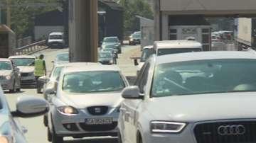 Интензивен трафик в последния почивен ден - 100 000 коли се прибраха в София