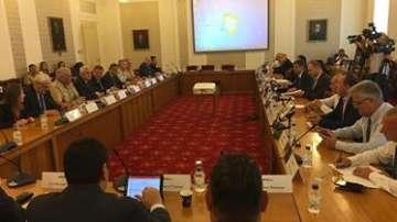 Комисията по отбрана в НС със заседание за състоянието на въоръжените сили