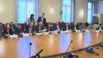 Комисията одобри промените в Конституцията