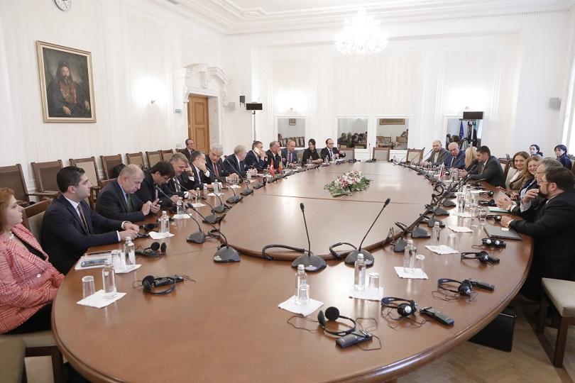 Икономическото сътрудничество в Черноморския регион, проблемите с миграцията, евроинтеграцията на