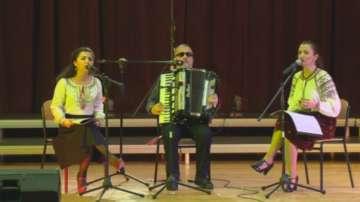 Концерт на певци и музиканти с нарушено зрение