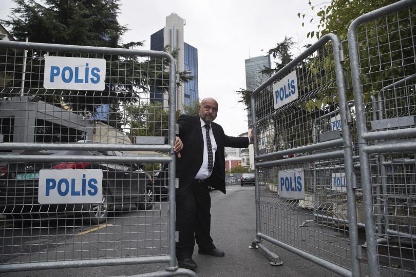Разследващ екип от Саудитска Арабия в резиденцията на консула ѝ в Истанбул