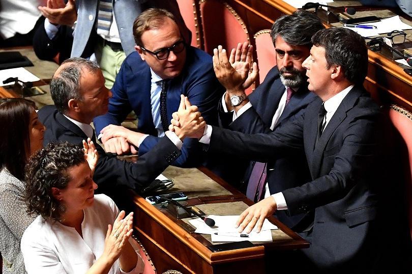 Задълбочава се политическата криза в Италия - премиерът Джузепе Конте