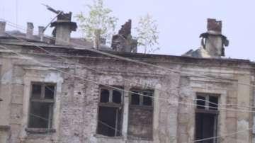 Целият покрив на Царските конюшни е изгорял, има подозрения за умишлен палеж