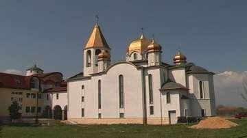 Монасите от манастира край с. Копиловци отказаха да въведат лятното часово време