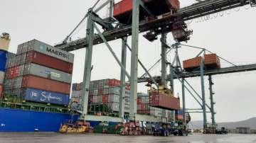 Извозват италиански боклук от пристанището във Варна