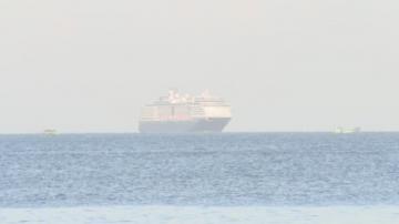Круизен кораб, който не беше допуснат в 5 пристанища, ще бъде приет в Камбоджа