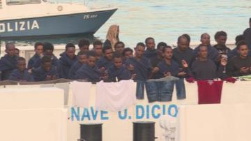 Неясна остава съдбата на мигрантите на италианския кораб Дичоти