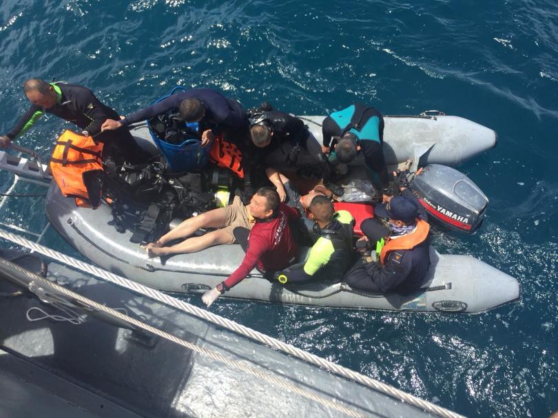 В Тайланд беше подновено издирването на пътниците от потъналия туристически