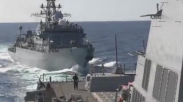 Руски военен кораб се е приближил опасно близо до американски ескадрен миноносец