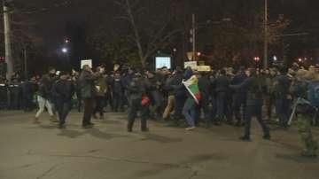 Сблъсъци на протеста заради оставката на Христо Иванов