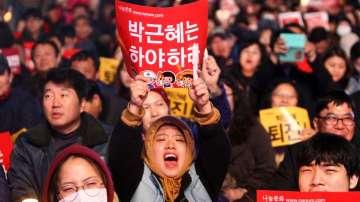 Повдигнаха обвинения на близка на южнокорейския президент