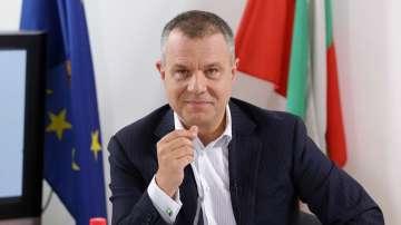 Емил Кошлуков заема поста на програмен директор на БНТ1 от 18 декември