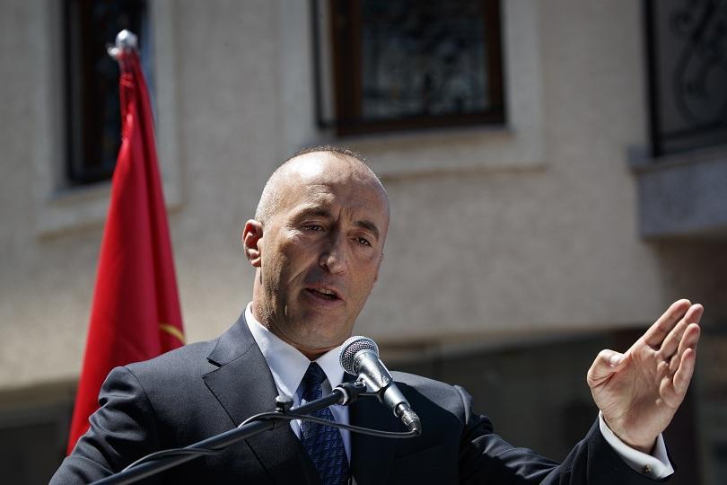 Косовският премиер в оставка Рамуш Харадинай замина за Хага, за