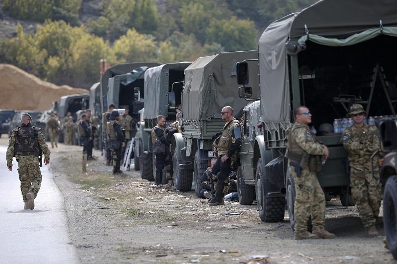 Бронирани машини с висока проходимост пристигнаха от САЩ в Косово,